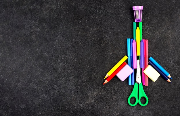 Fondo de regreso a la escuela con cohete