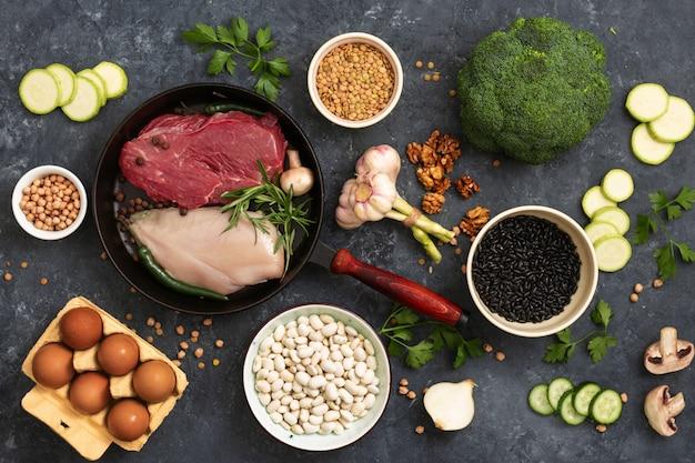 Fondo saludable con una vista superior de alimentos de dieta conjunto de alimentos de diferentes dietas