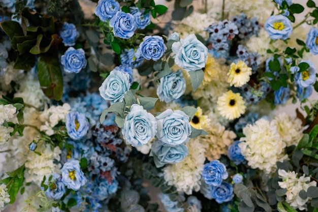 Fondo de telón de fondo de flores de boda, fondo colorido, rosa fresca, ramo de flores Foto Premium
