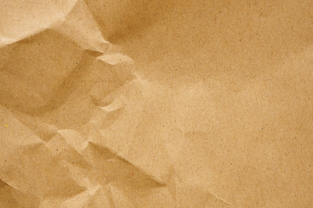 Fondo de textura de hoja de kraft reciclada de papel arrugado marrón