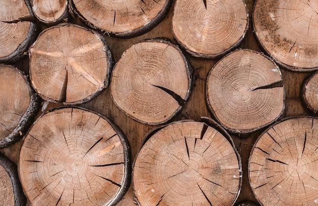 Fondo de textura de madera tiene muchos registros que cortar desde