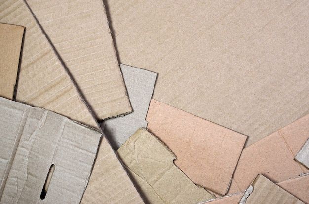 Fondo de texturas de papel apiladas listas para reciclar.