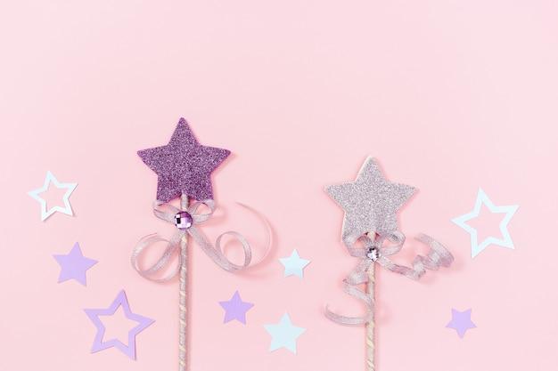 Fondo de vacaciones con estrellas brillantes, concepto de fiesta de cumpleaños de niña de niños.