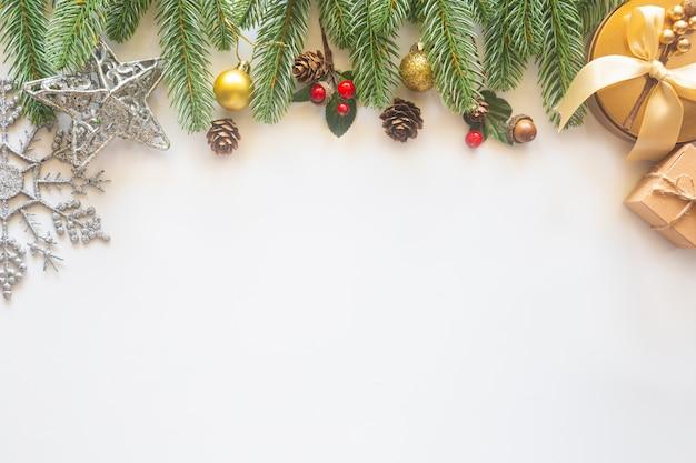 Fondo de vacaciones de navidad con decoración festiva