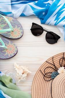Fondo de vacaciones de verano con concha