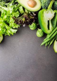 Fondo con vegetales verdes variados