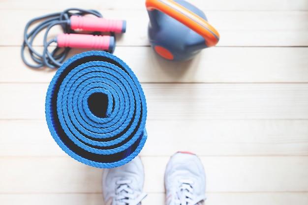 Fondo de yoga y fitness con espacio de copia. vista superior concepto de estilo de vida saludable.