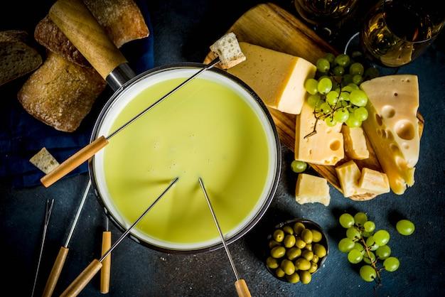 Fondue de queso suizo clásica