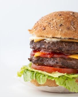 Foodporn de sabrosa hamburguesa grande