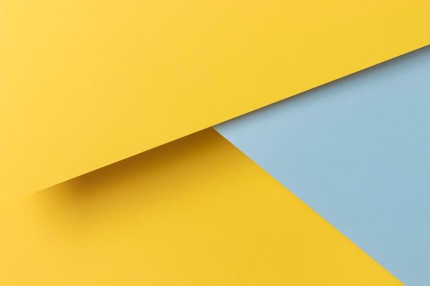 Forma de armarios amarillos y azules