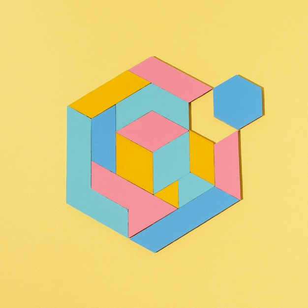 Forma geométrica laica plana con fondo amarillo