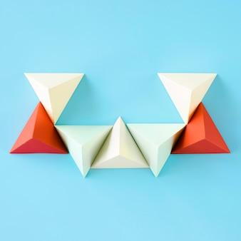 Forma de papel de triángulo de vista superior