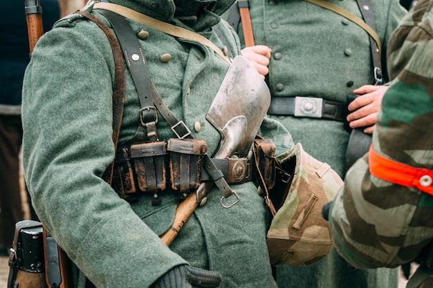 La forma del soldado alemán de la segunda guerra mundial.