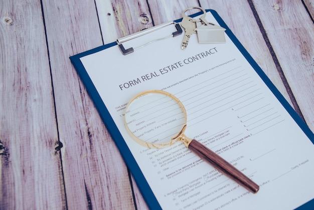 Formulario para la compraventa de inmueble muestra de la firma del contrato por parte del adquirente ...