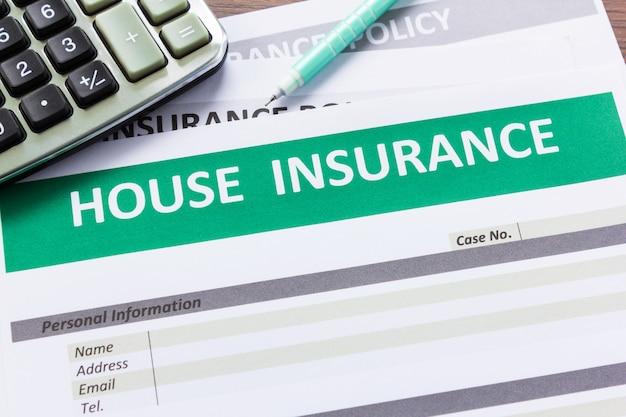 Formulario de seguro de casa en vista superior