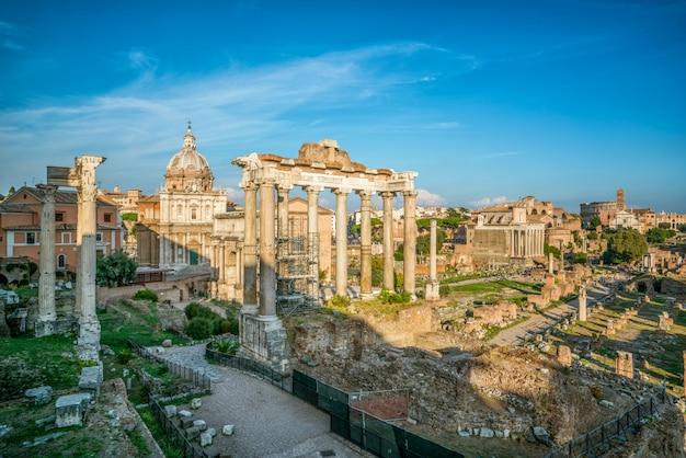 Foro romano en roma, italia