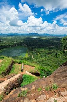 Fortaleza de sigiriya lion rock en sri lanka