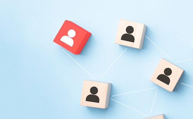 Foto abstracta del concepto de conectividad, vinculación de entidades, jerarquía y recursos humanos.