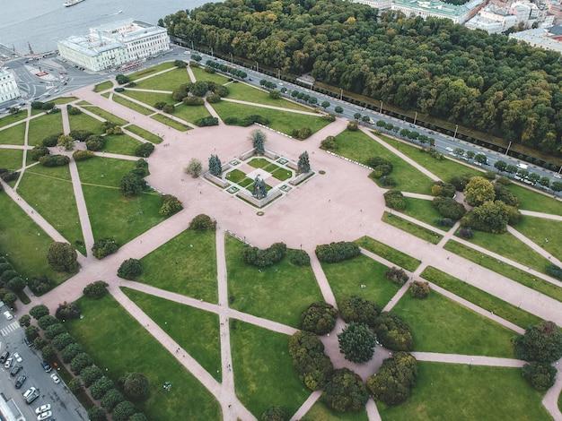 Foto aérea del champ de mars, en el centro de la ciudad, san petersburgo, rusia