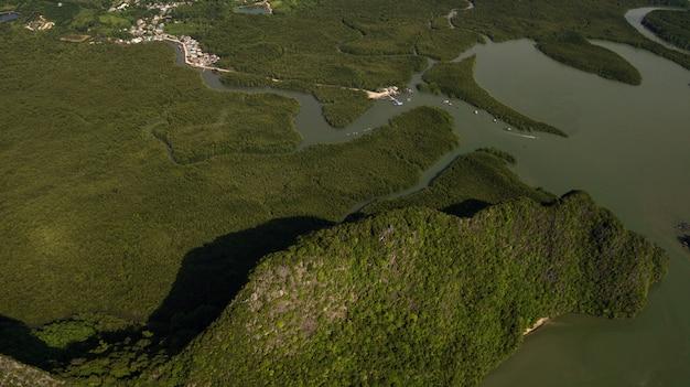 Foto aérea del paisaje montaña tailandia