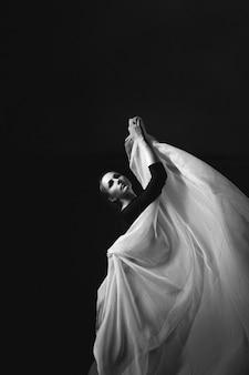 Foto artística de una gimnasta.