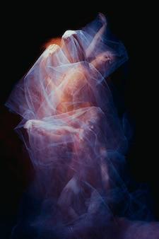 La foto como arte: un baile sensual de la bella bailarina