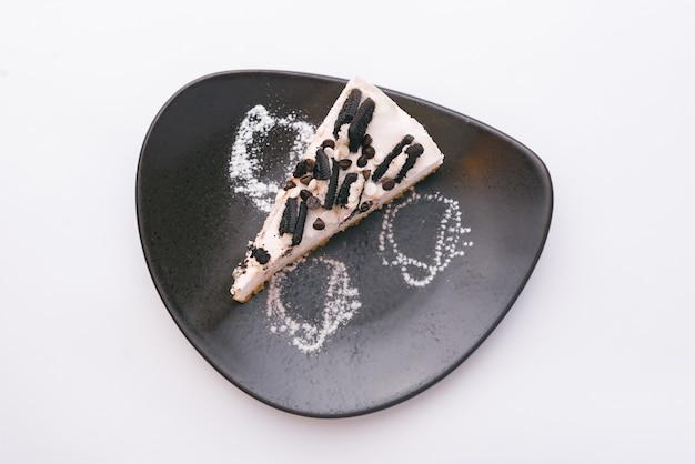 Foto de la vista superior de tarta con galletas de chocolate