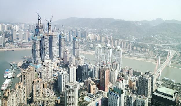 Fotografía aérea de la ciudad de chongqing arquitectura horizonte