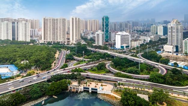 Fotografía aérea del paisaje arquitectónico de haikou, china