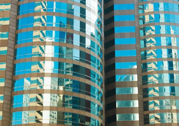 Fragmento abstracto de vidrio de windows de la arquitectura del edificio