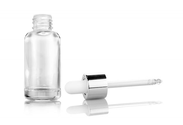 Frasco de suero de vidrio transparente para maquetas de diseño de productos cosméticos.