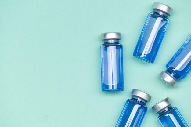 Frascos de la vacuna del virus corona frascos de medicamentos