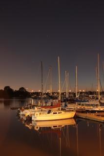 Frenchmans bahía en la noche
