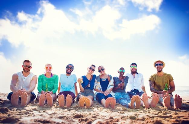 Friends beach vacation chilling concept de la fiesta