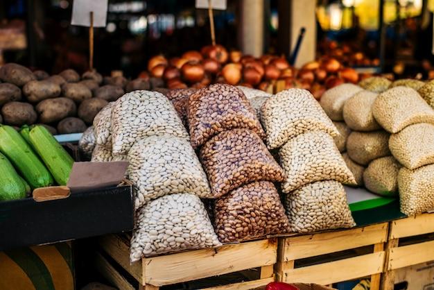 Frijoles en el mercado de agricultores.