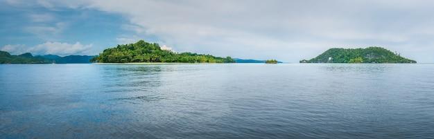 Friwen y wall island, papua occidental, raja ampat, indonesia. lugar de buceo.