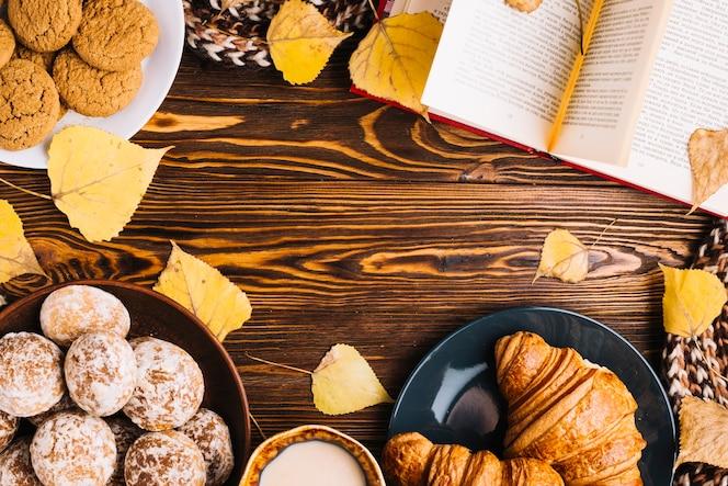 Frontera de pastelería y libro