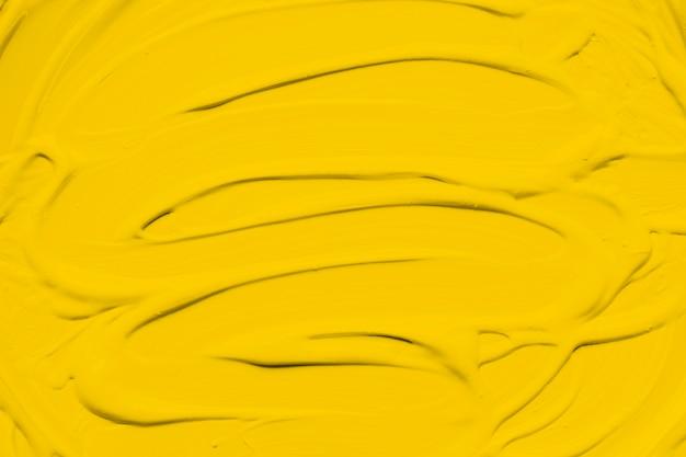 Frotis de pintura amarilla vívida