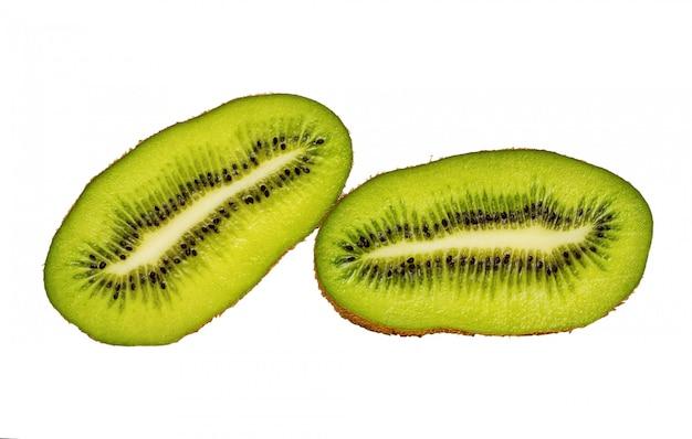 Fruta de kiwi en rodajas aislado