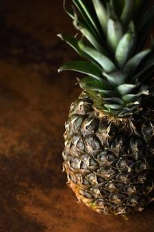 Fruta tropical de verano, manzana de pino