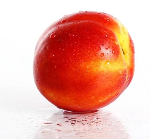 Frutas frescas y húmedas de nictarina