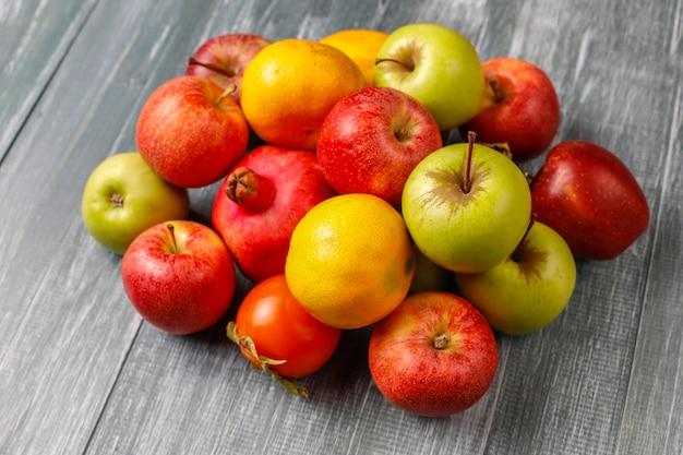 Frutas de otoño ecológicas.