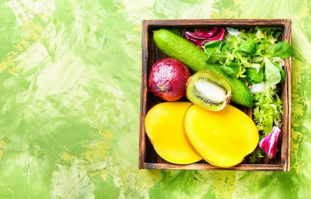 Frutas y verduras coloridas