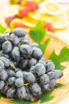 Frutas y verduras frescas para una buena salud.