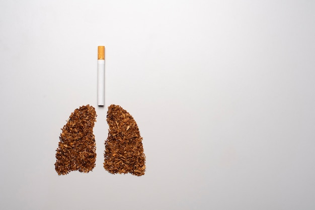 Fumar mata, concepto con cigarrillos y tabaco. concepto de no fumar con cigarrillos y tabaco.