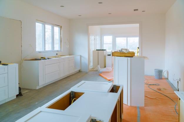 Gabinete de instalación de muebles remodelación de cocina.