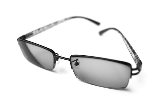 Gafas con diseño simple aislado en blanco