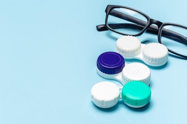 Gafas, lentes de contacto, concepto de visión