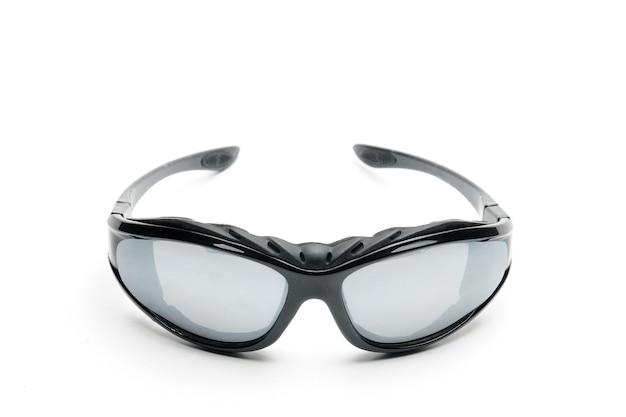 Gafas de sol juveniles sobre un blanco