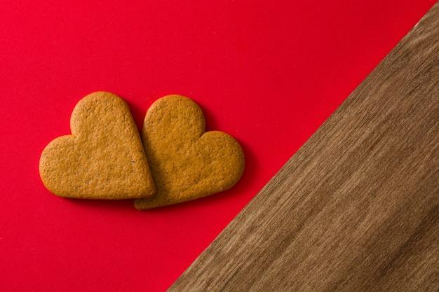 Galleta en forma de corazón. concepto de san valentín y día de la madre.